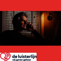 Afbeelding van bellende man met logo van de luisterlijn