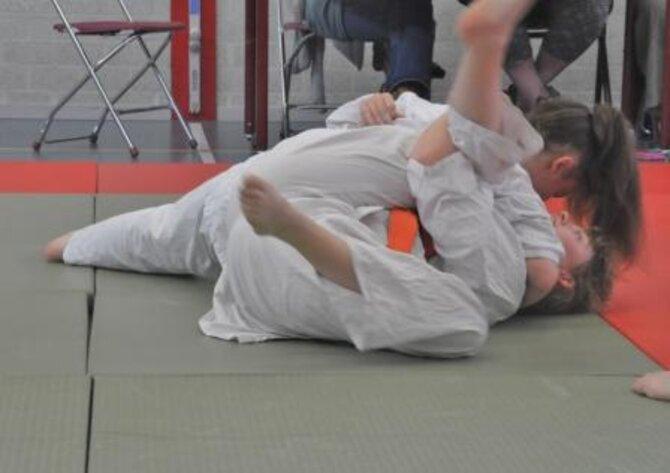Foto van twee judoka's