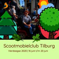 Foto van vrolijke vrouw in scootmobiel omringd door geïllustreerde bomen met tekst: scootmobielclub tilburg